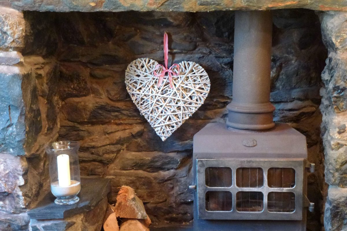 Clydfan Cottage fireplace